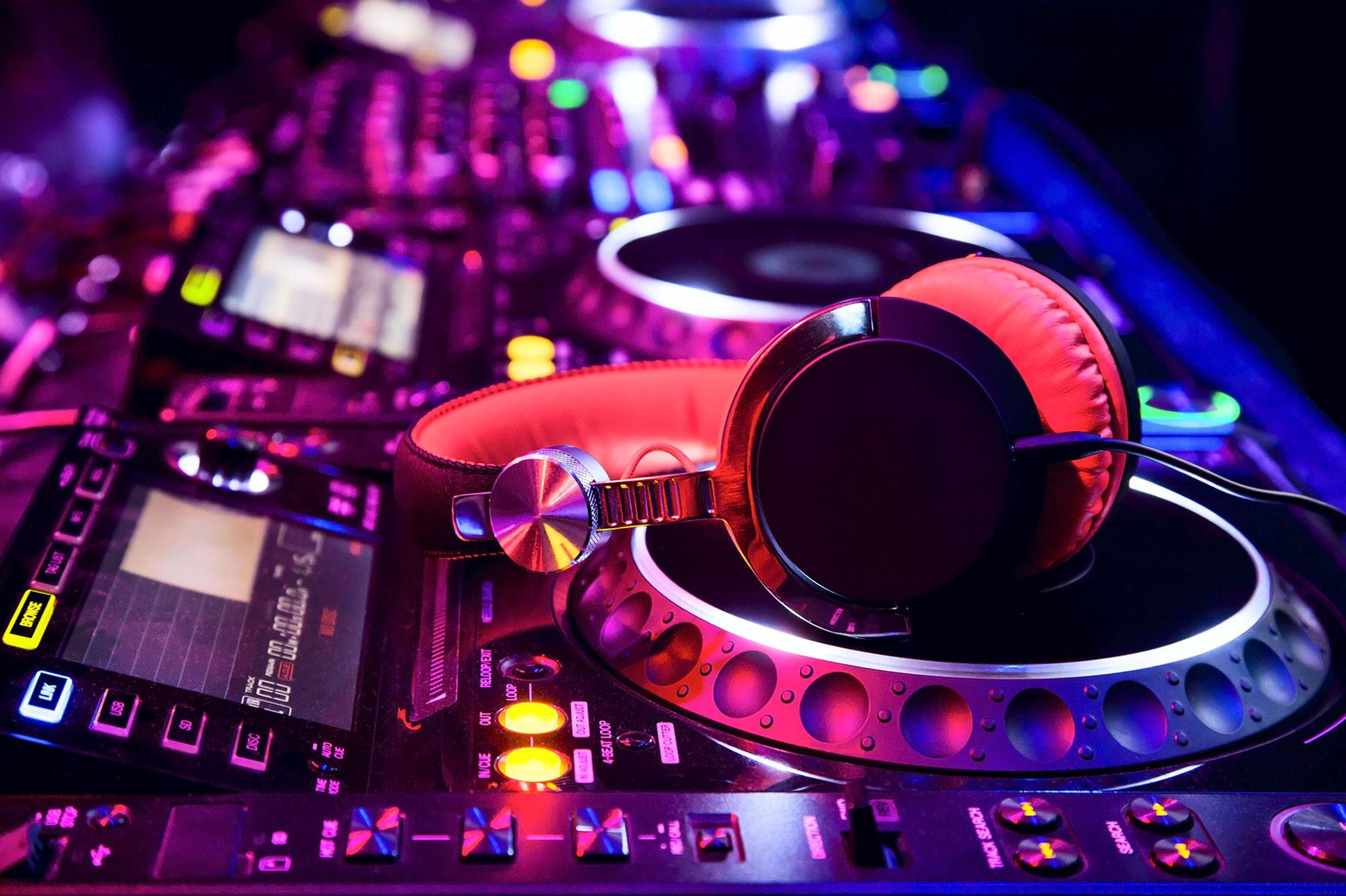 Biddy's Live DJ